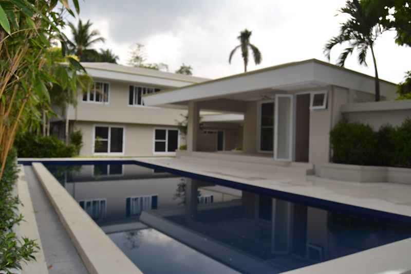 Dasmarinas village makati modern house for rent or sale for Modern house for rent